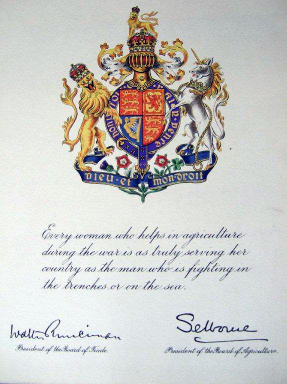 WW1 WLA Certificate with Royal Crest presented to serving land girls, c1917. Source: Bedfordshire Archives WW1 WA/4/1/8 Courtesy of Stuart Antrobus.