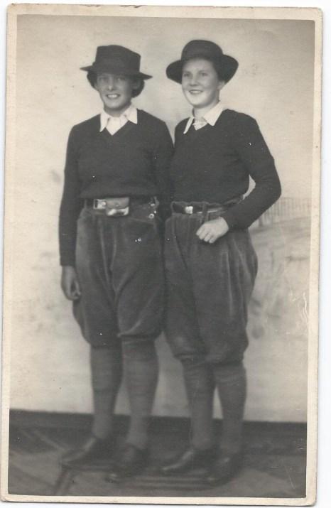 Betty and her friend (probably Betty) Source: Helen Van Dongen