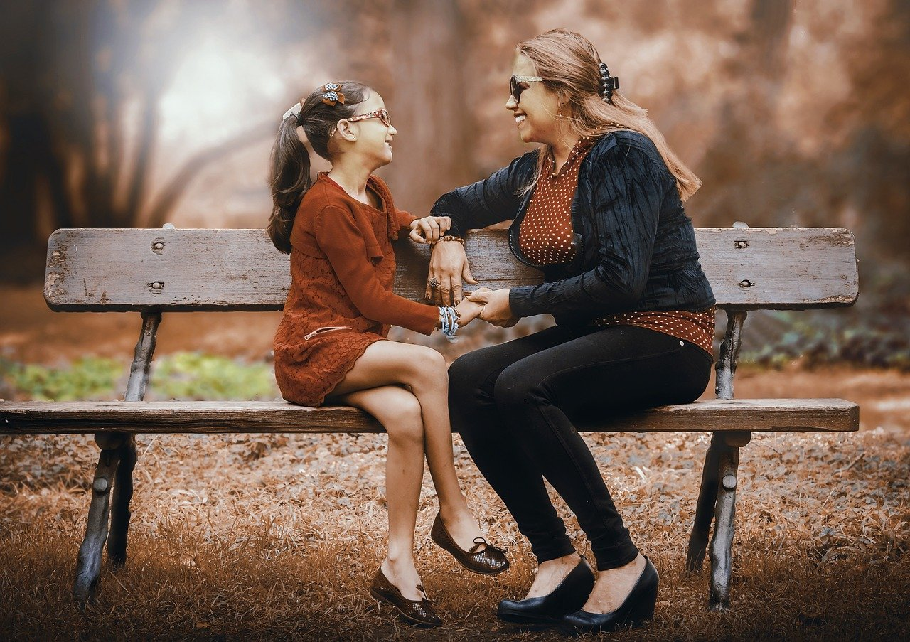 An image of a mom and daughter
