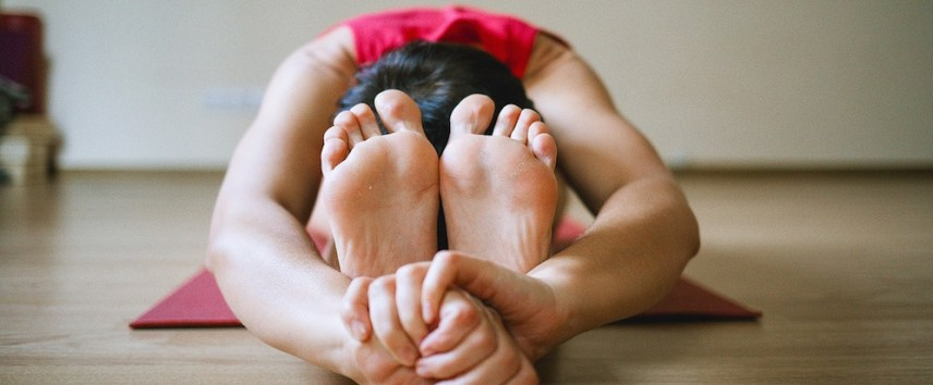 postnatal-yoga-for-moms