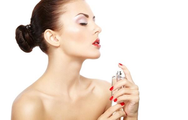 10 Perfume tricks every woman must know