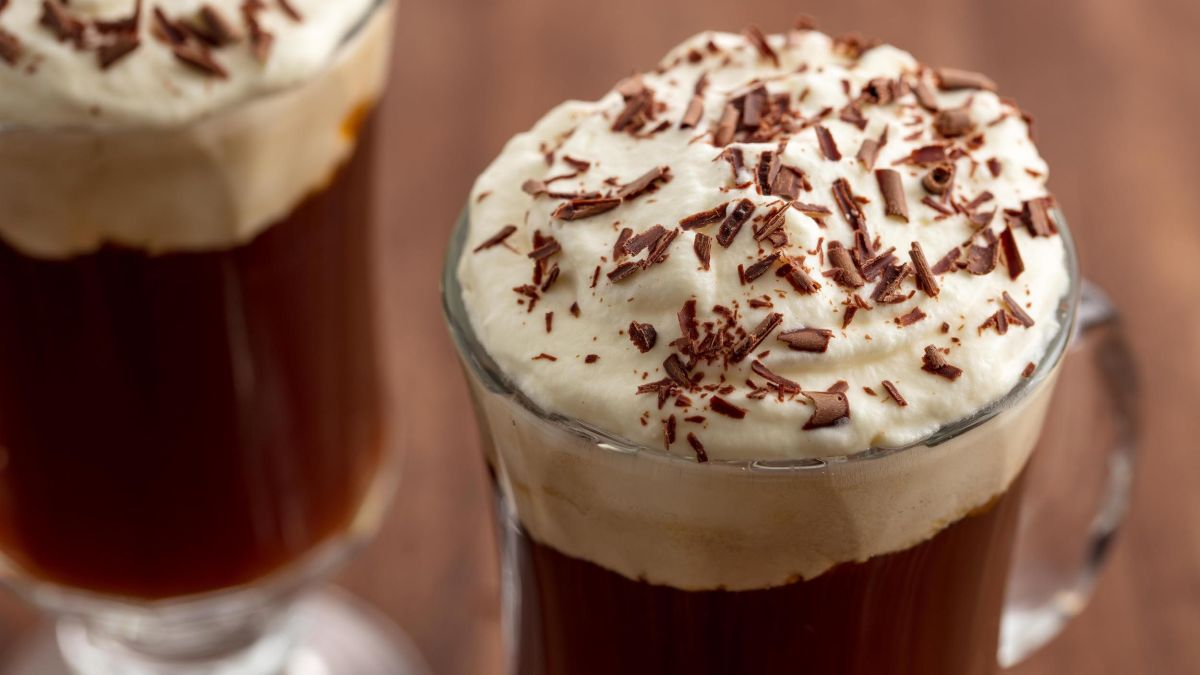 ONE-MIN RECIPE TO RELISH NON-ALCOHOLIC IRISH COFFEE!