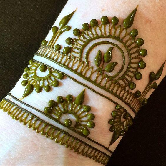 Top 10 Henna Wrist Cuff Designs To Try