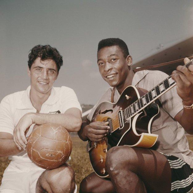 Pelé et Sacha Distel (sisi)