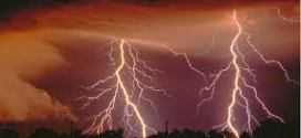 100 lightning strikes occur worldwide every second
