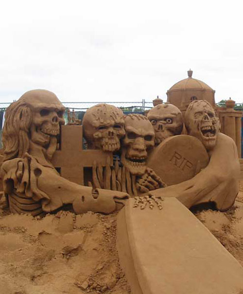 sand sculpture - scary