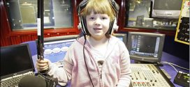 Elaina Smith – Britain's youngest 7 years old agony aunt