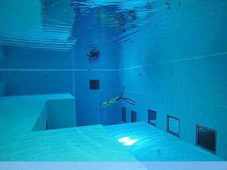 Nemo 33 - Deepest Swimming Pool of the world - 01