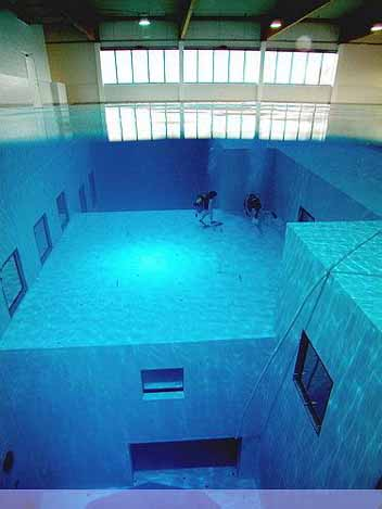 Nemo 33 - Deepest Swimming Pool of the world - 03