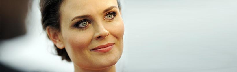 Fashion {& Grace} Icon: Emily Deschanel a la Dr. Temperance 'Bones' Brennan