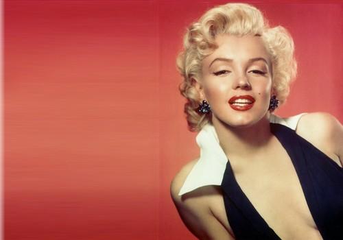 Marilyn Monroe's Blonde Curls