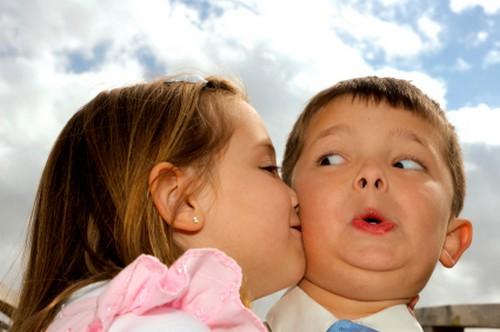 kids kissing