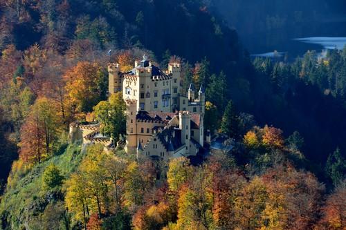 10 Gorgeous Castles in Europ