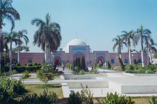 Famous Mosques in Pakistan