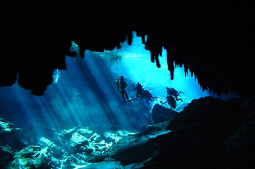 Extreme Sports Cave diving