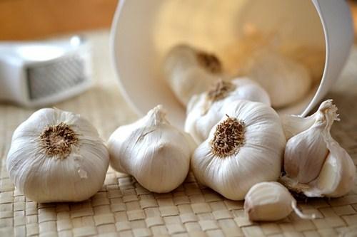Garlic get rid of runny nose