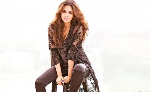 Hot Esha Gupta in black dress