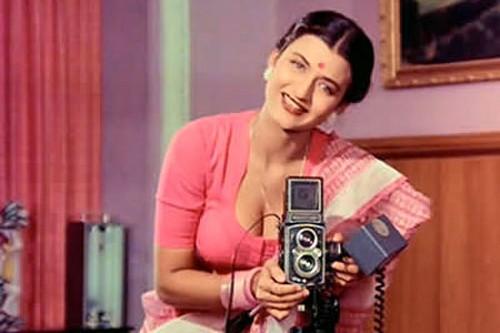 Sarika Hot Single Moms of Bollywood