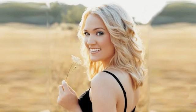 Carrie Underwood sexy