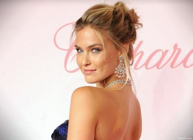Bar Refaeli Female Celebrities with Dimples