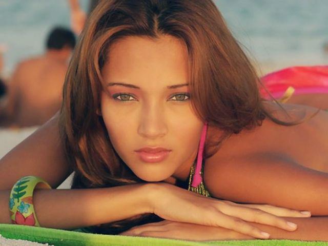 Daniela de Jesus Cosio Desirable Mexican Women