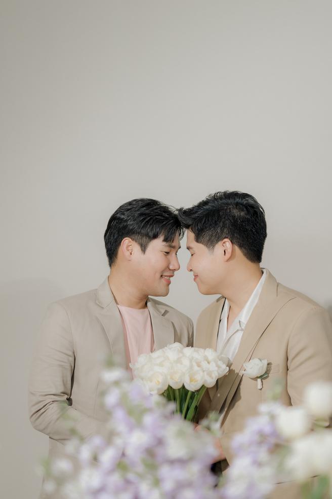 คุณอุ้มและคุณต๊ะ งานแต่งชายรักชาย gay wedding bangkok thailand oumtahheismine renaissance pattaya เวดดิ้งแพลนเนอร์ กรุงเทพ