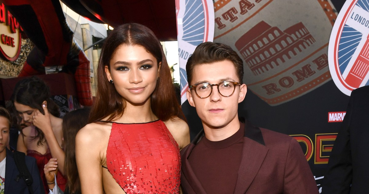 Zendaya and Tom Holland confirm romance with a kiss, more news | Gallery | Wonderwall.com