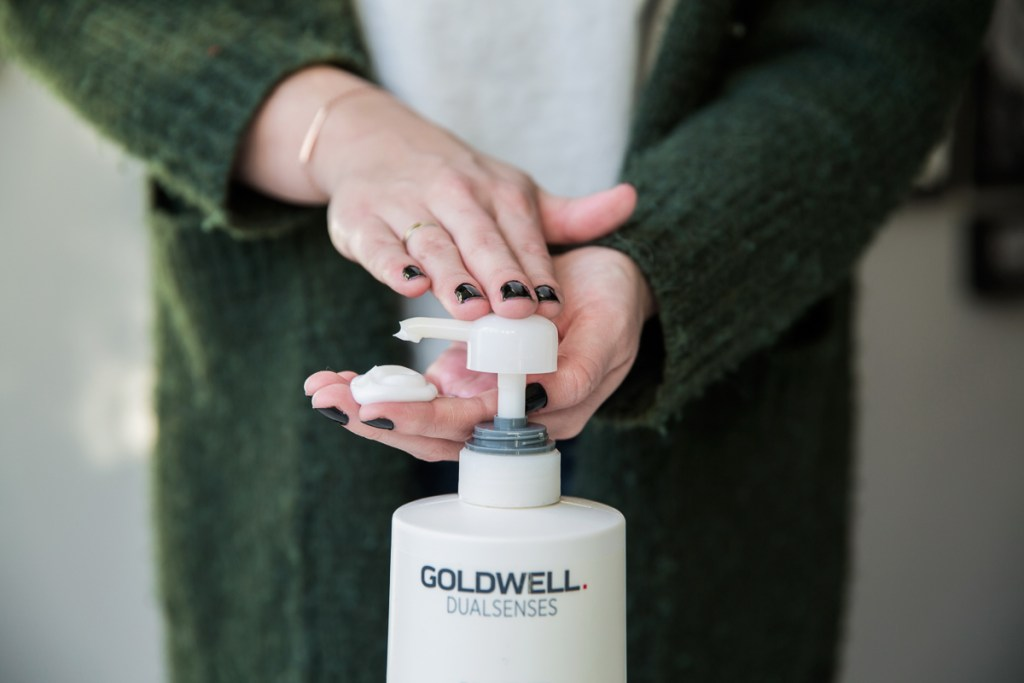 Goldwell Dualsenses Just Smooth Taming Shampoo Conditioner 1000ml pompje Wood & Gems Eline van der Woude Sterke haren pluisvrij anti-klit