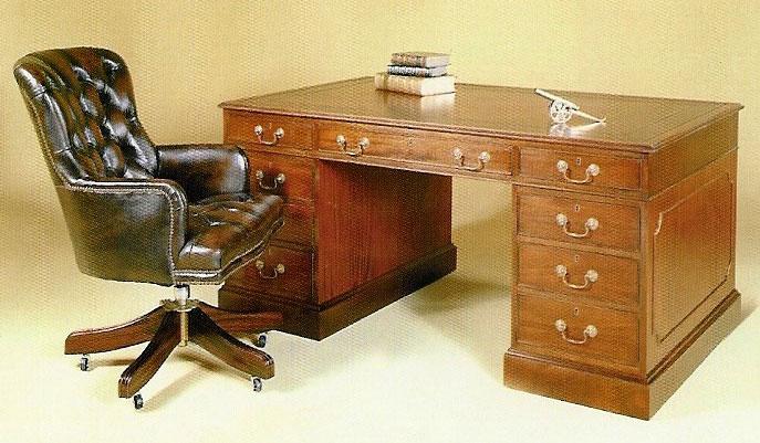 Mahogany Georgian Style Pedestal Desk.