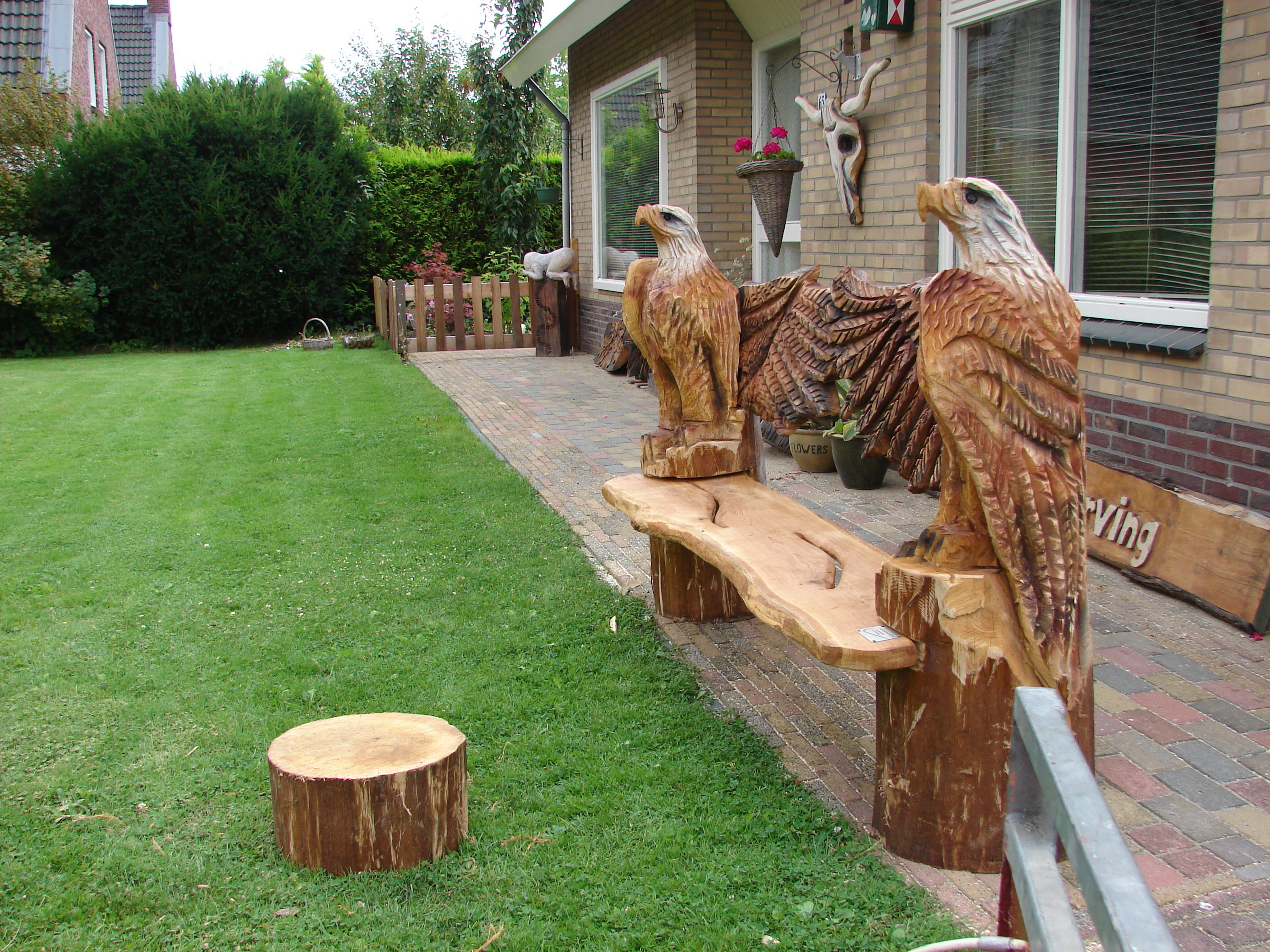 woodcarving, adelaar bank eiken,