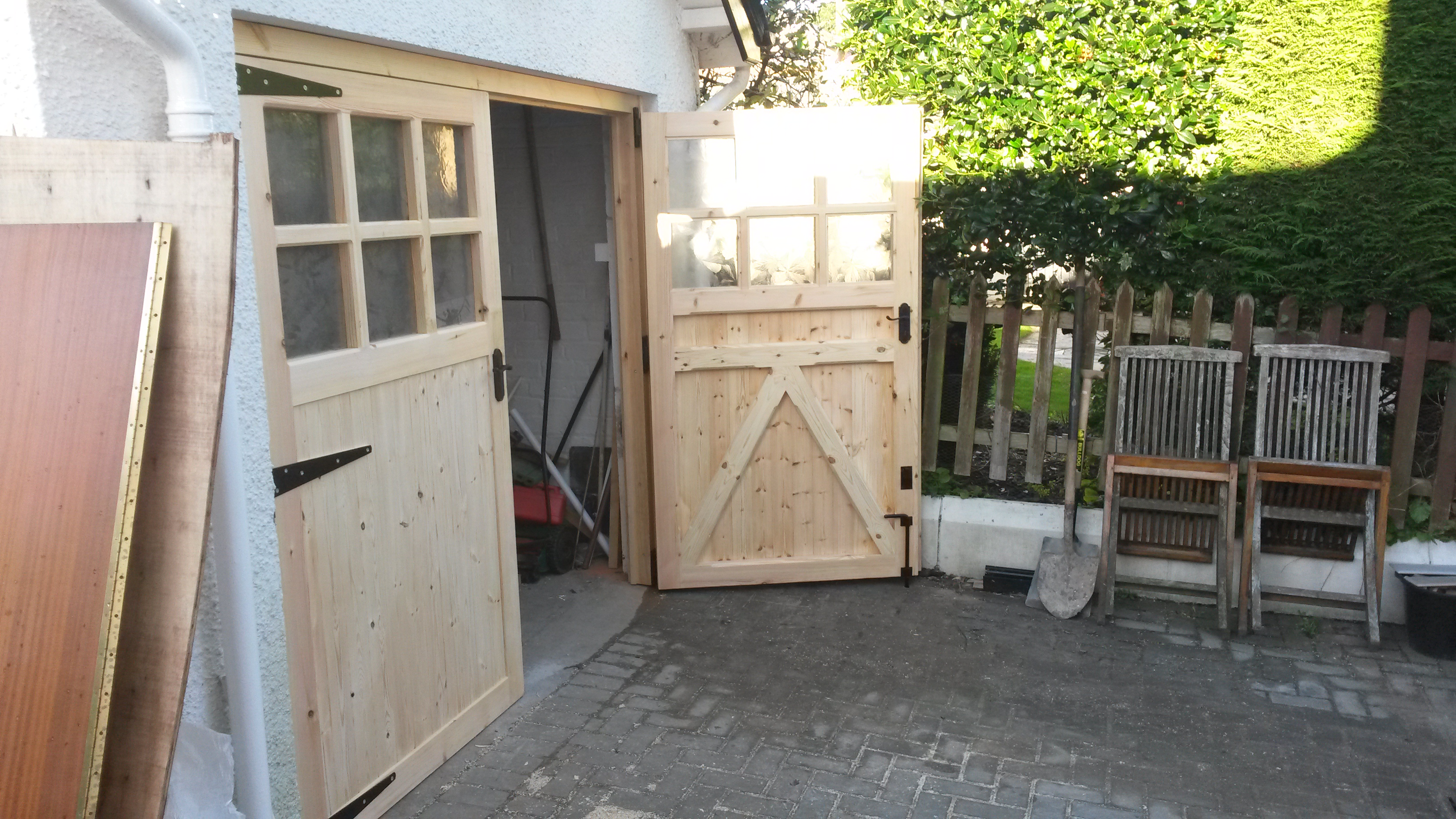 Wooden garage doors in Belfast : doors belfast - pezcame.com