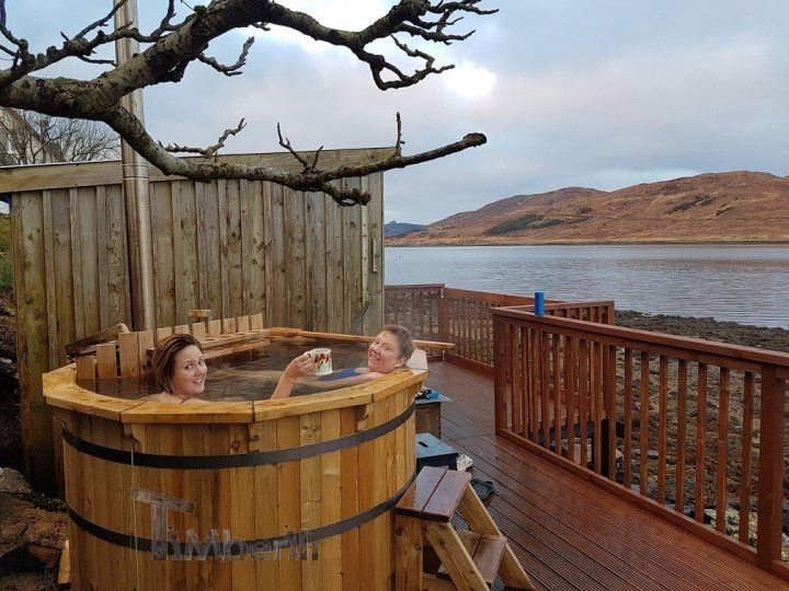WOODEN HOT TUB DELUXE DESIGN, Stuart, Isle Of Skye, U.K (3)