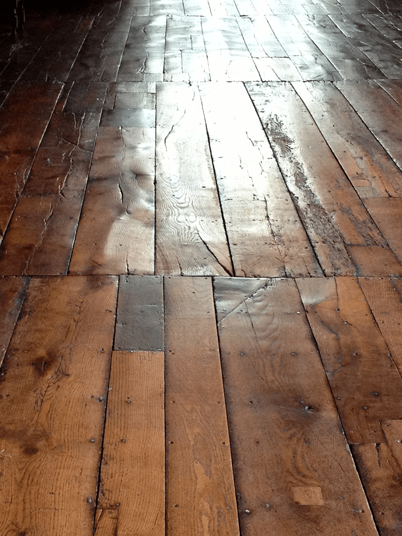 This Old English Floor Bet You Cant Take Your Eyes Off