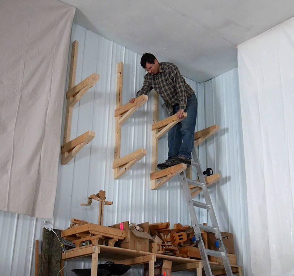 Wayuphigh cantilevered garage shelves