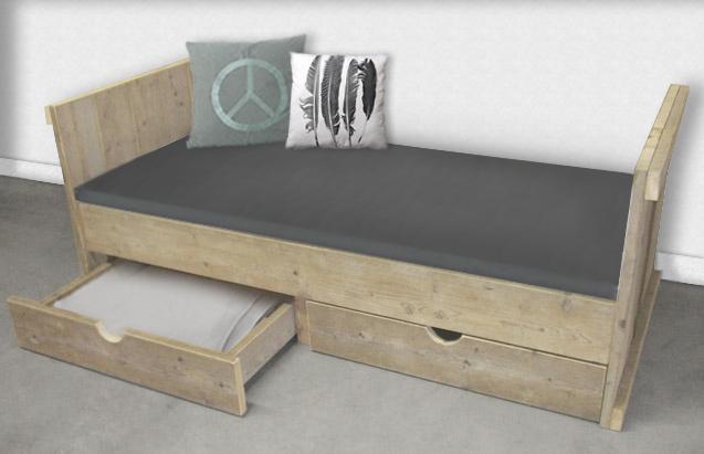 Steigerhouten bed met laden  woodgoedcom