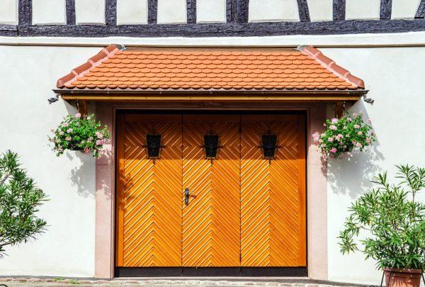 ideas landscaping garage
