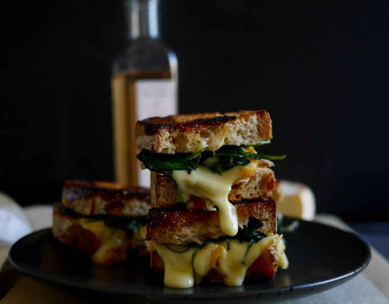 grilled-cheese-reblochon-épinards-toquicimes-megève-woodmoodfood