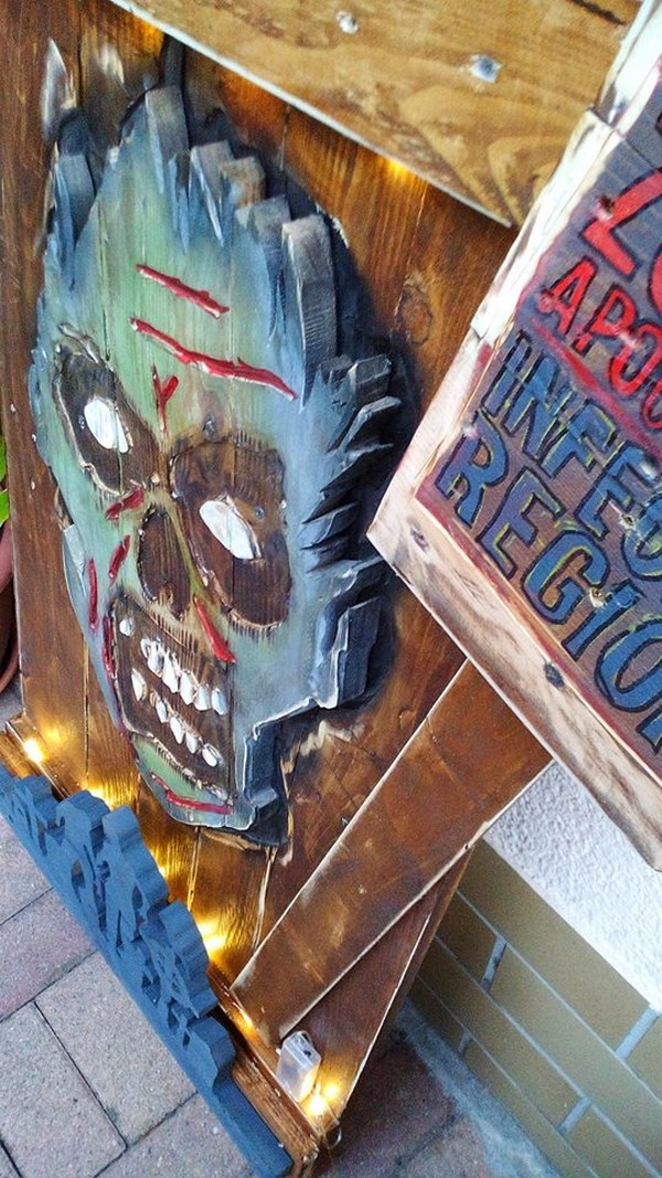 Halloween Display with Pallets  Wood Pallet Furniture