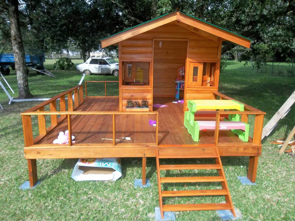 Repurposed Wood Pallets Made Kids Patio Playhouse