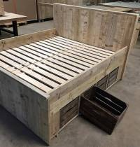 Giant Pallet Bed with Storage Plan | Wood Pallet Furniture