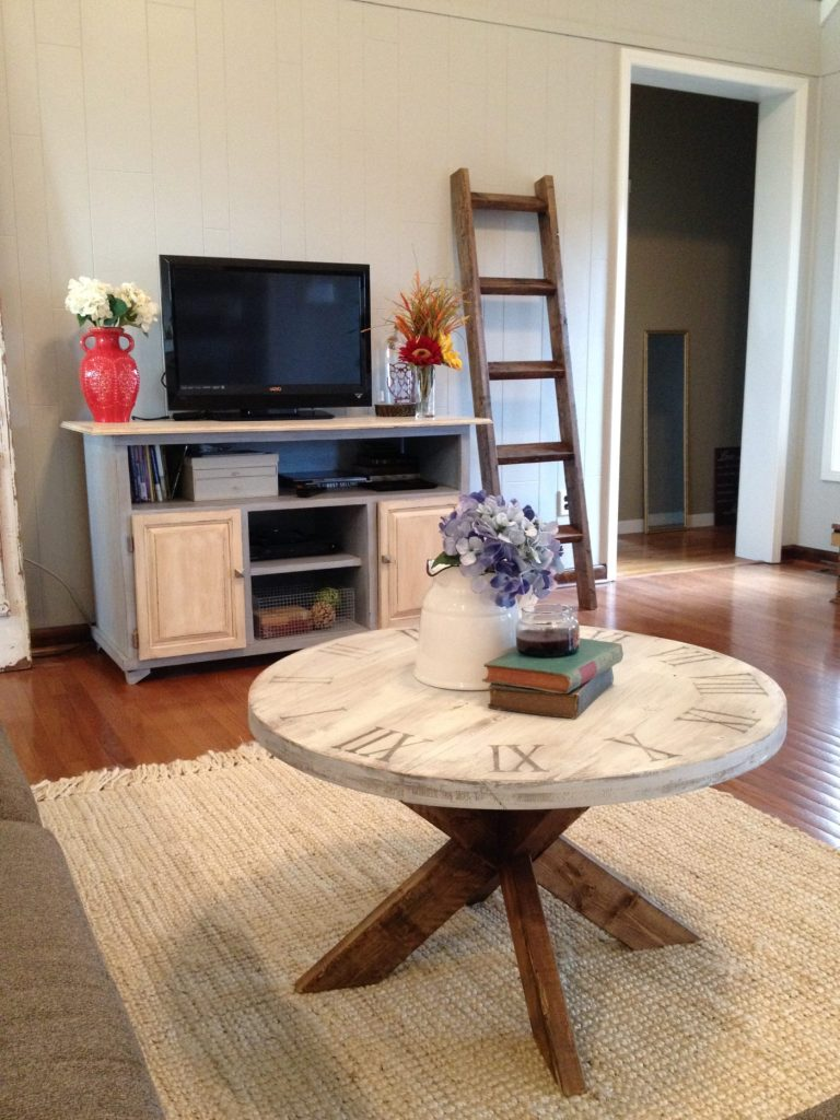 You can make this adorable DIY coffee table for about $25 and a little time in the shop!--Woodshop Diaries