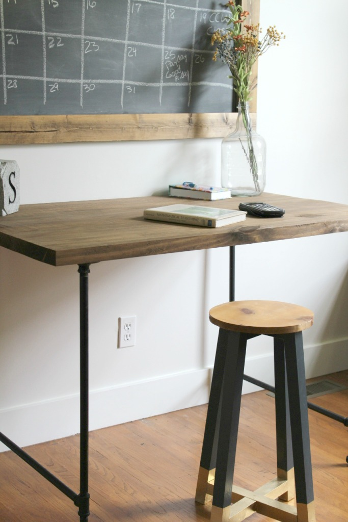 How to Build the easiest desk ever