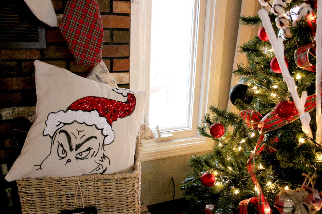 Check Out This Awesome Grinch Pillow  A Pottery Barn Knock Off!