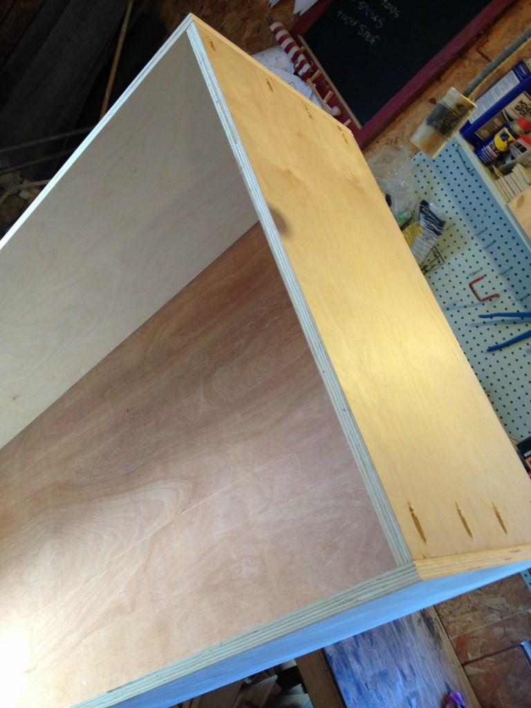 Freestanding bookshelf assembled using pocket holes