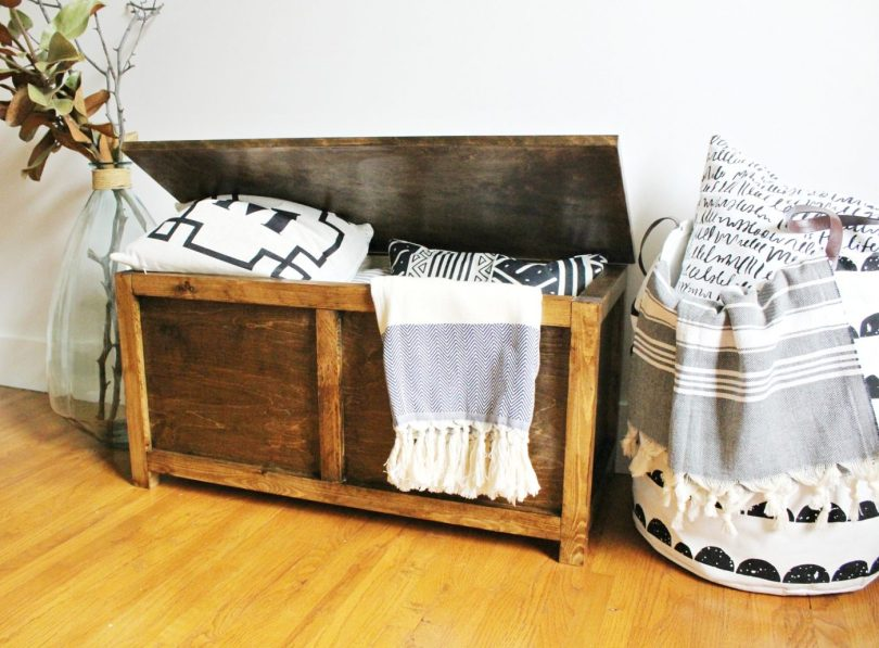 Free building plans to make your own DIY Storage chest