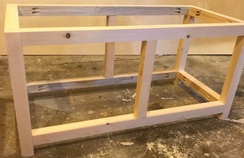 Add middle divider to the diy storage chest frame