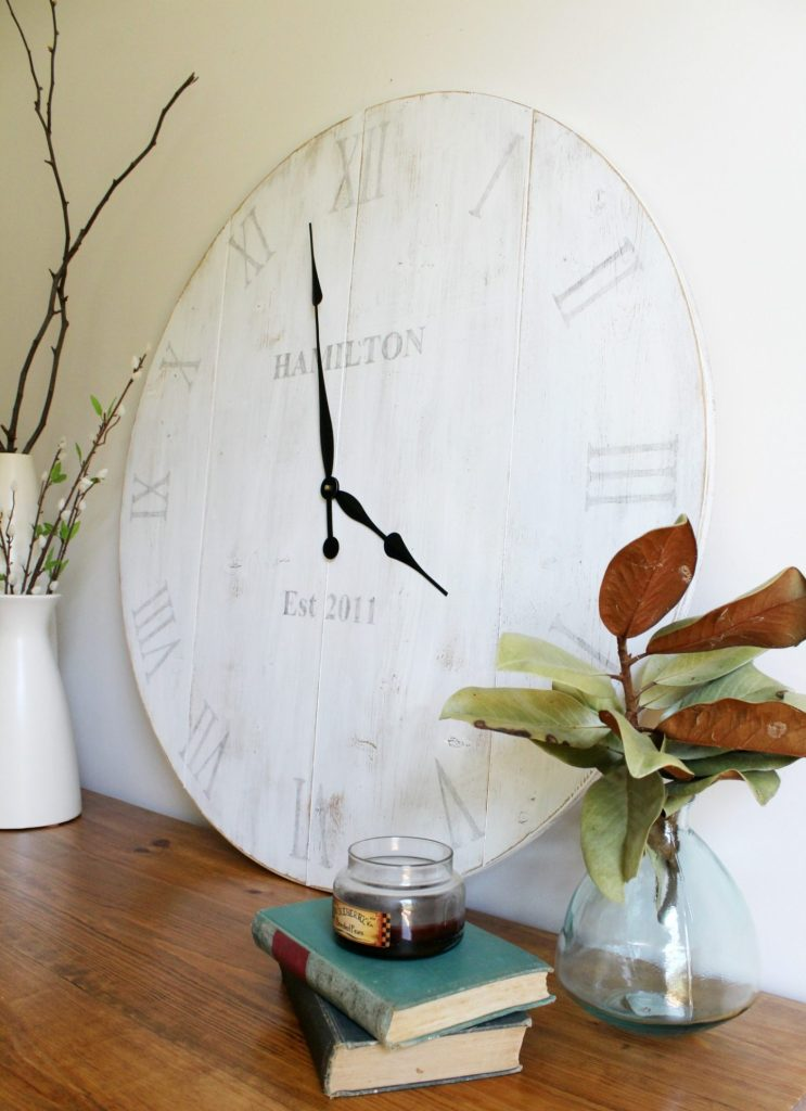 How to make a rustic DIY wooden wall clock