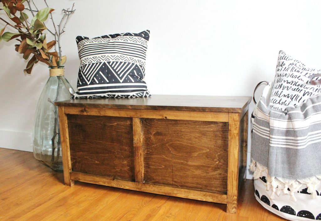 DIY storage trunk with lid closed