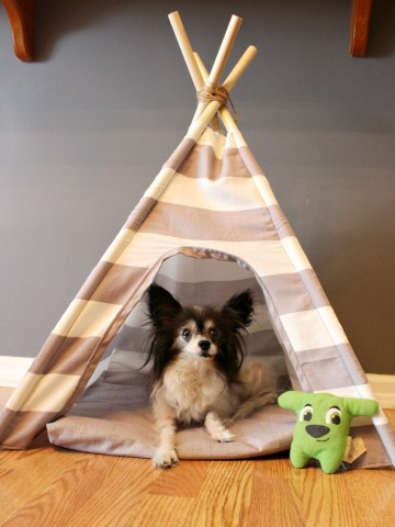 How to sew a super easy DIY dog tent with pillow and striped fabric!
