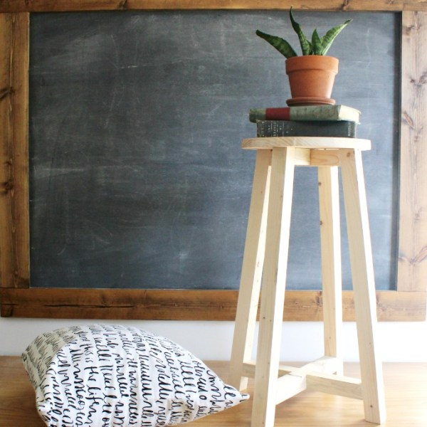 How to make a super simple DIY bar stool--free building tutorial!